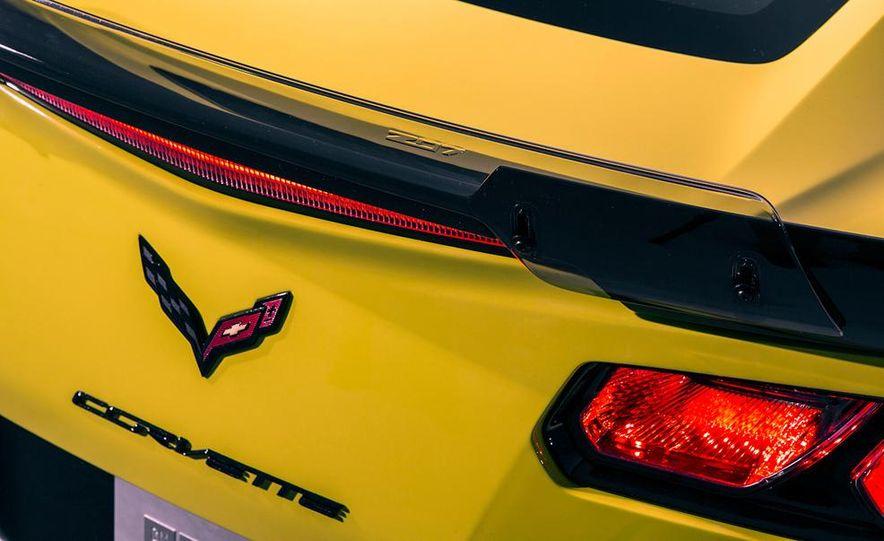 2015 Chevrolet Corvette Z06 coupe - Slide 30