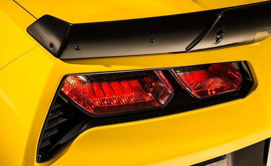 2015 Chevrolet Corvette Z06 coupe - Slide 31