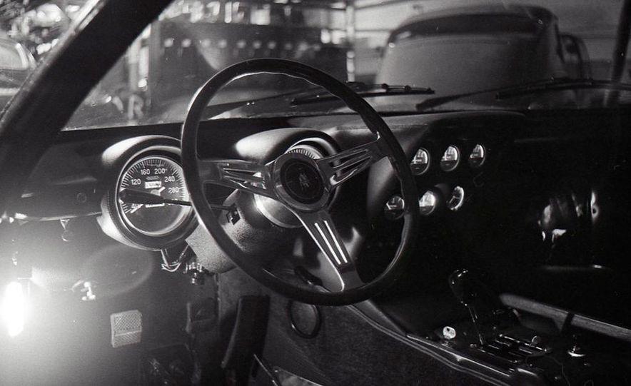 Lamborghini Miura - Slide 17