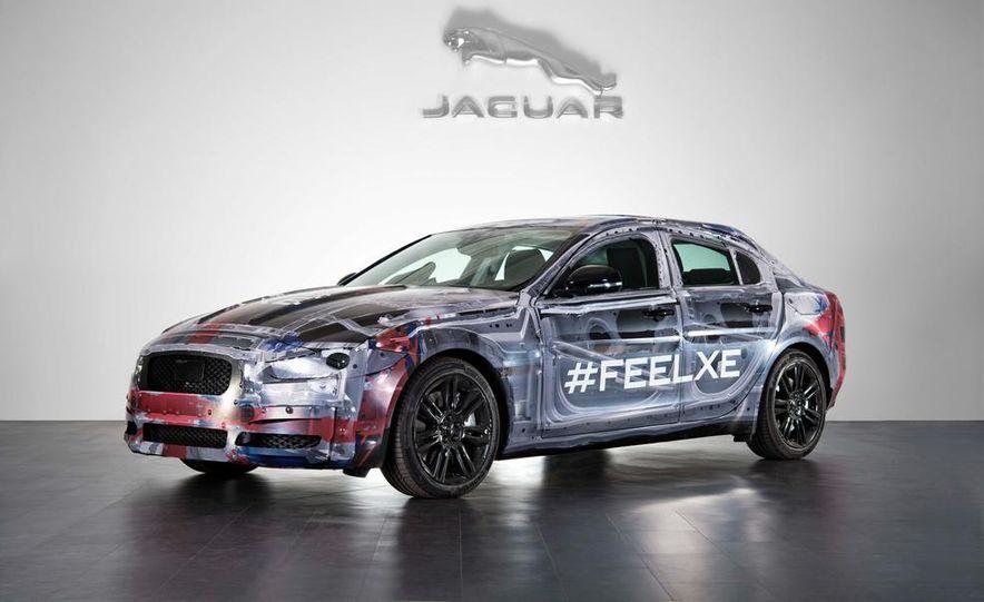2016 Jaguar XE - Slide 1
