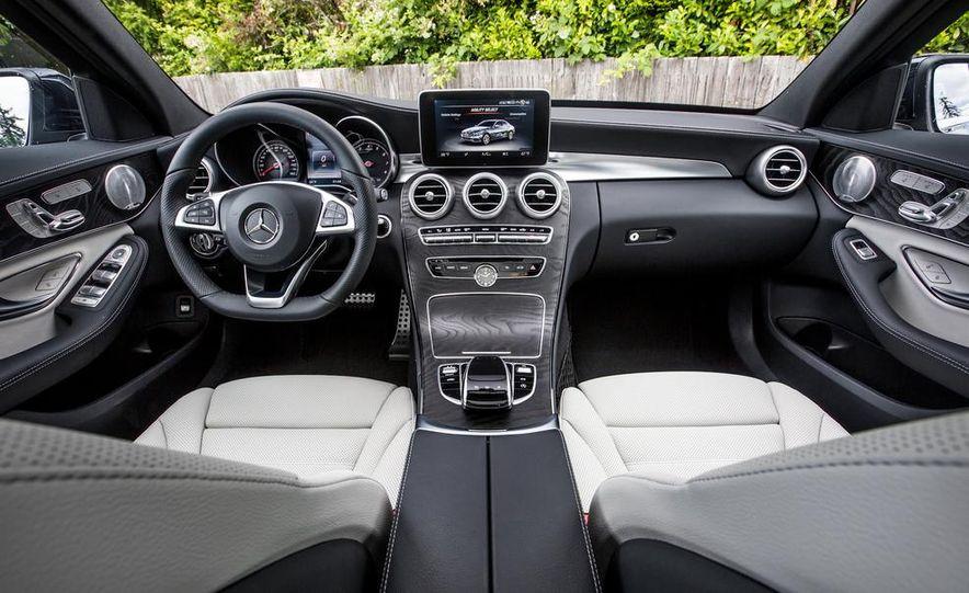 2015 Mercedes-Benz C400 4MATIC - Slide 35