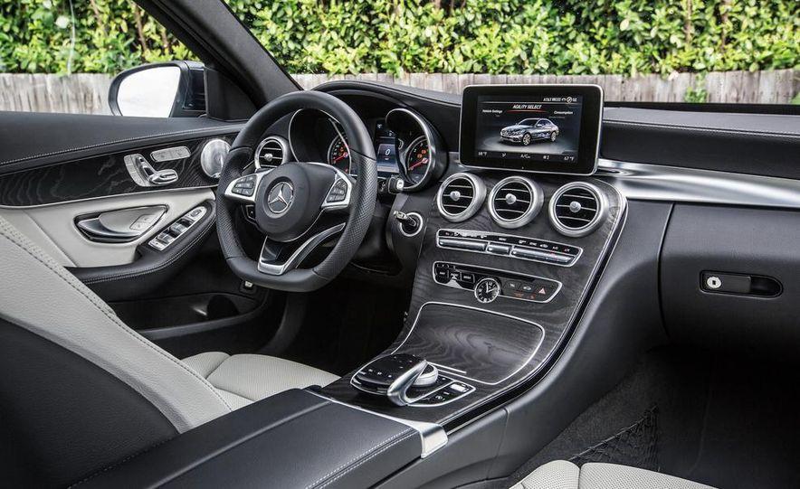 2015 Mercedes-Benz C400 4MATIC - Slide 36