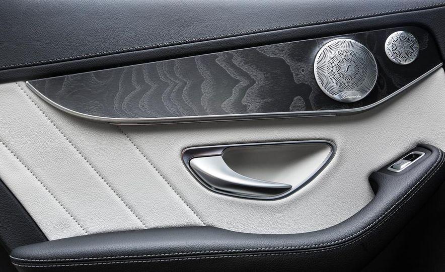 2015 Mercedes-Benz C400 4MATIC - Slide 40