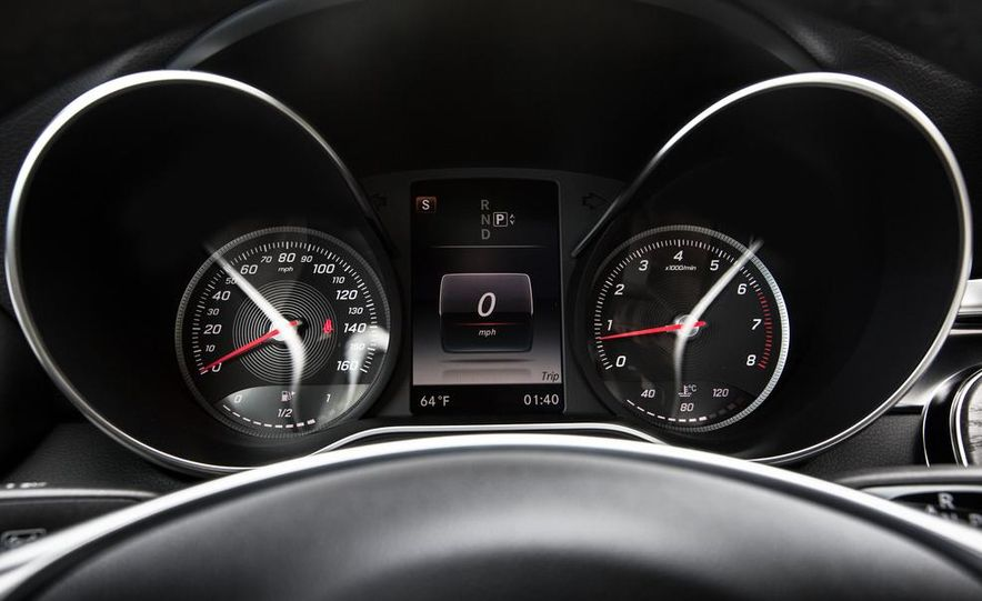2015 Mercedes-Benz C400 4MATIC - Slide 42