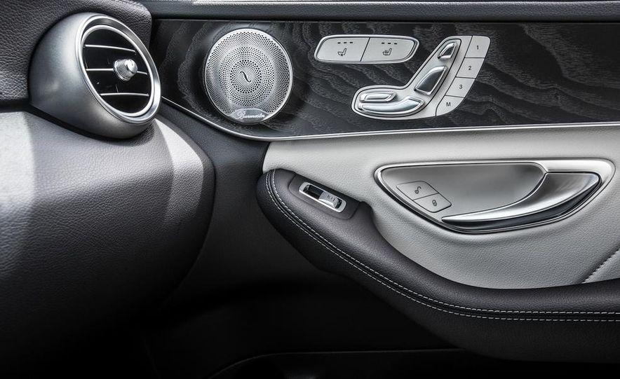 2015 Mercedes-Benz C400 4MATIC - Slide 43