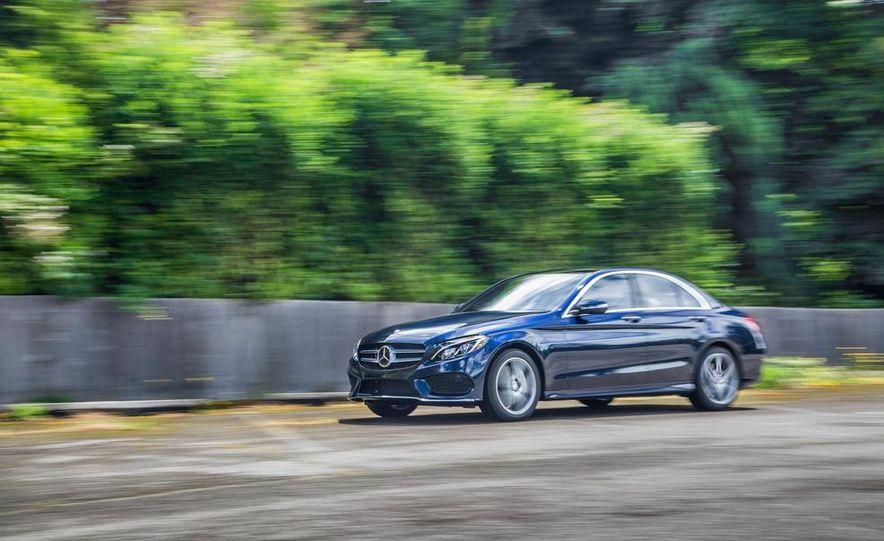 2015 Mercedes-Benz C400 4MATIC - Slide 5