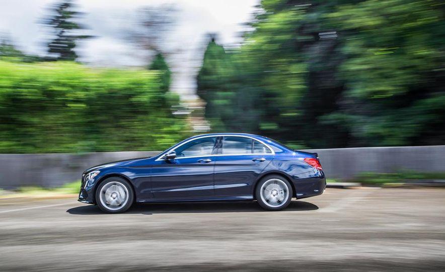 2015 Mercedes-Benz C400 4MATIC - Slide 6