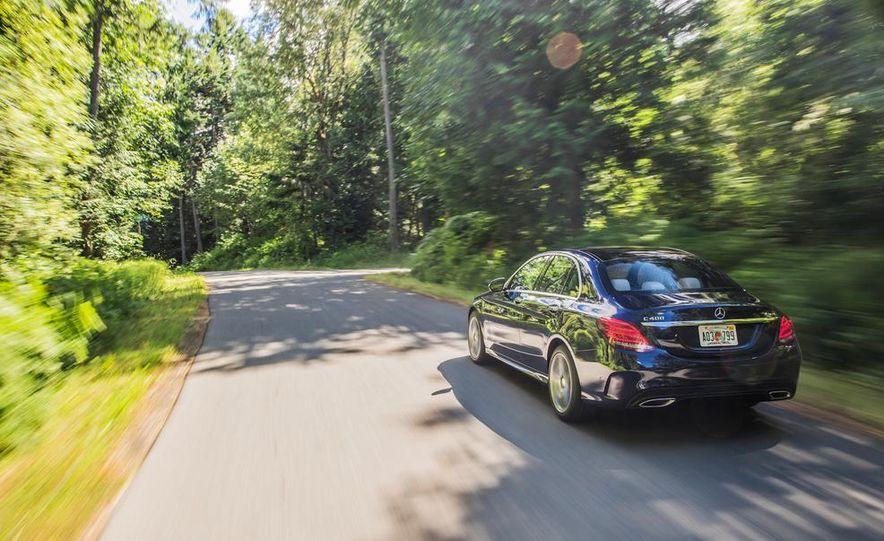 2015 Mercedes-Benz C400 4MATIC - Slide 11
