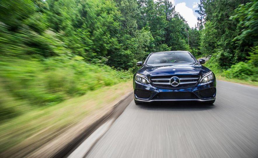 2015 Mercedes-Benz C400 4MATIC - Slide 15