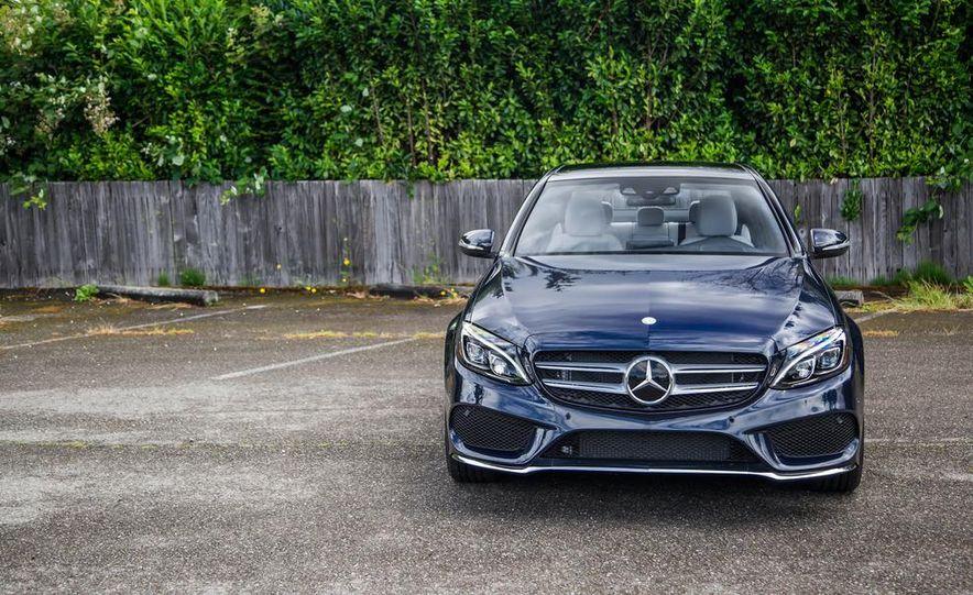 2015 Mercedes-Benz C400 4MATIC - Slide 23
