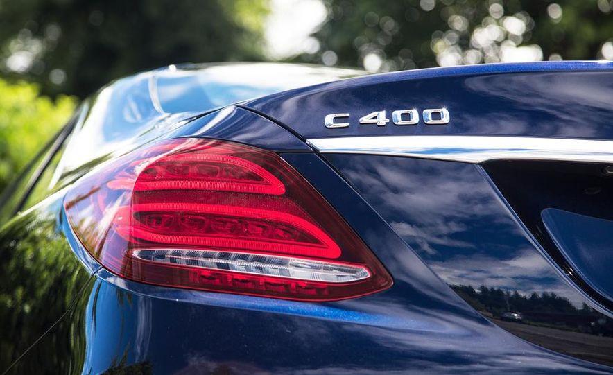 2015 Mercedes-Benz C400 4MATIC - Slide 30