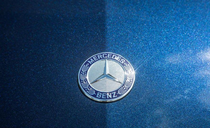 2015 Mercedes-Benz C400 4MATIC - Slide 32
