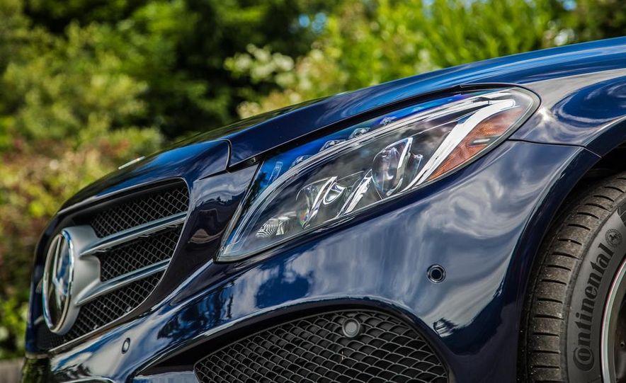 2015 Mercedes-Benz C400 4MATIC - Slide 33
