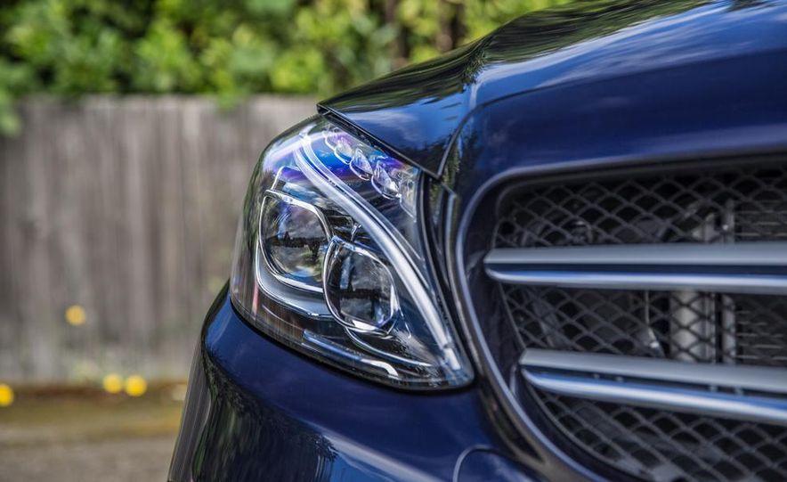 2015 Mercedes-Benz C400 4MATIC - Slide 34