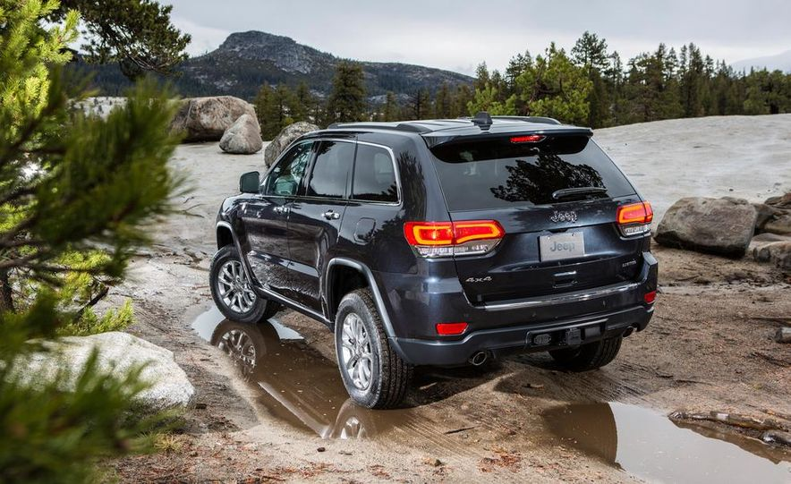 2014 Jeep Grand Cherokee 4X4 Limited model shown - Slide 9