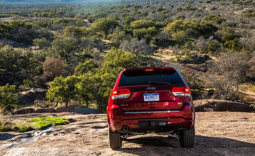 2014 Jeep Grand Cherokee 4X4 Limited model shown - Slide 28