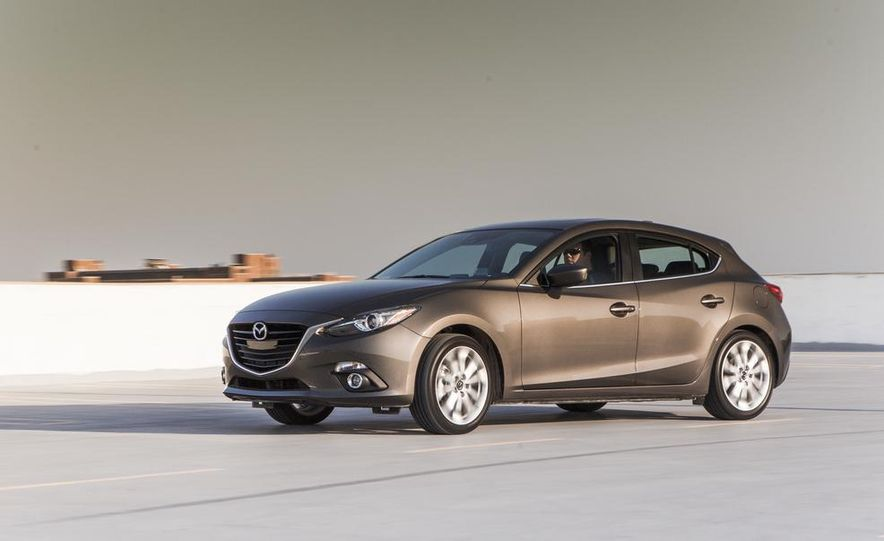 2014 Mazda 3 2.5L hatchback - Slide 1