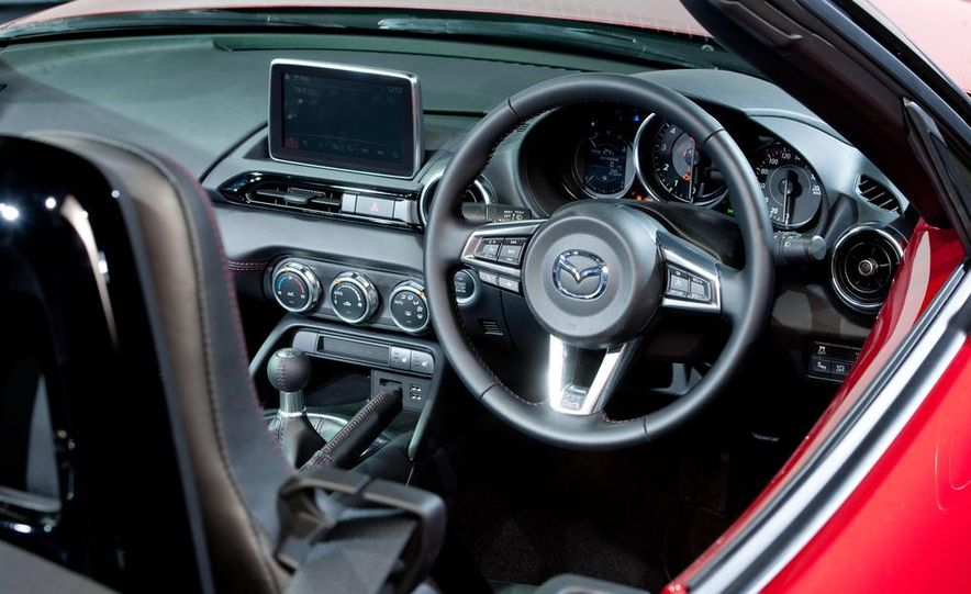 2016 Mazda MX-5 Miata - Slide 10