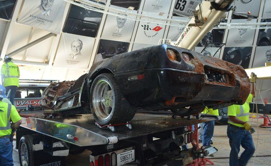 "2009 Chevrolet Corvette ZR-1 ""Blue Devil"" Prototype, 1993 40th Anniversary coupe, 1962 Corvette, and 1992 One Millionth Corvette - Slide 17"