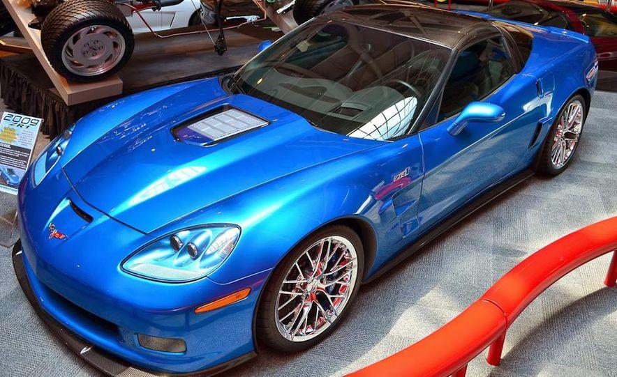 "2009 Chevrolet Corvette ZR-1 ""Blue Devil"" Prototype, 1993 40th Anniversary coupe, 1962 Corvette, and 1992 One Millionth Corvette - Slide 32"