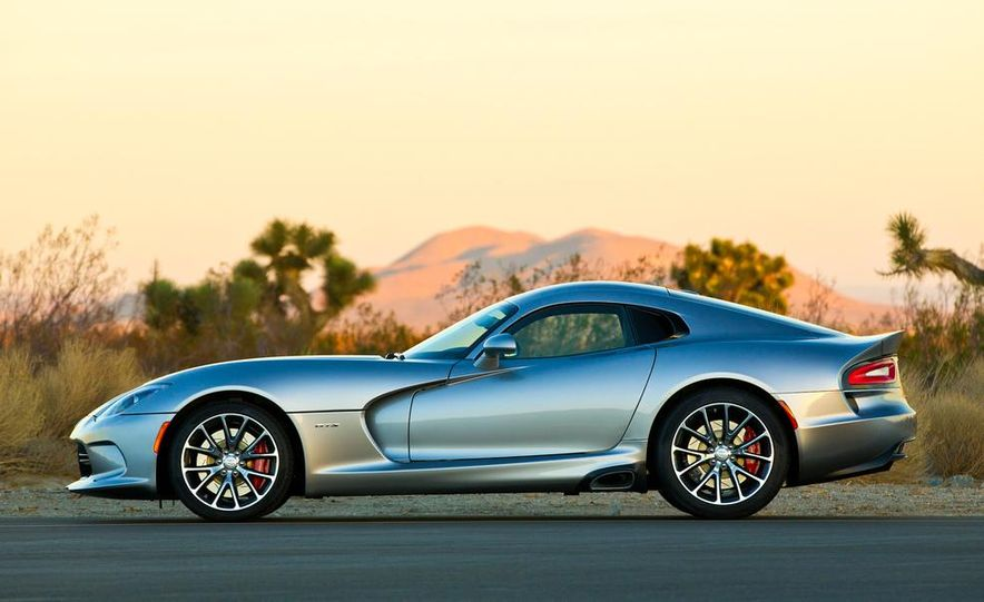 2015 Dodge Viper SRT - Slide 5