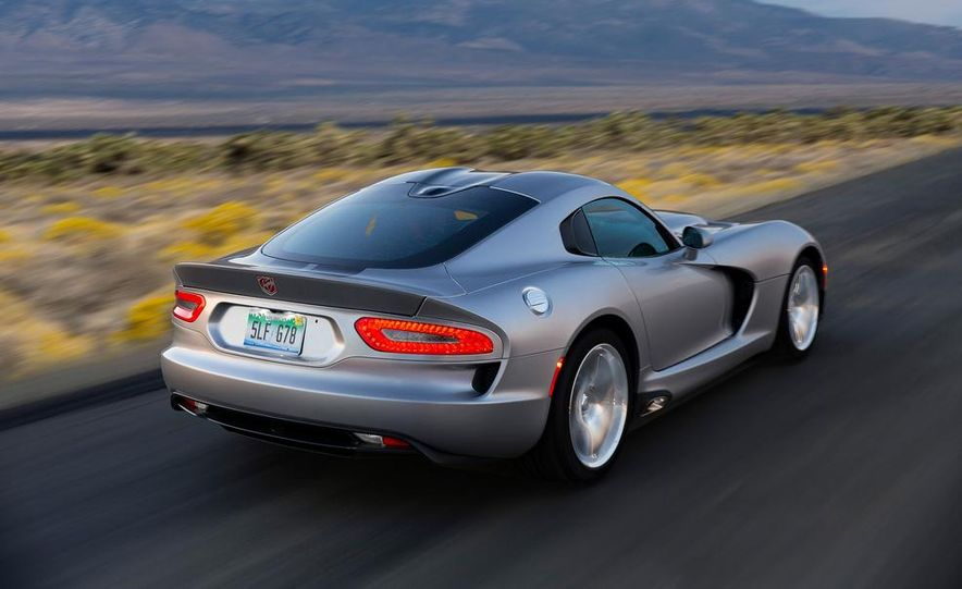 2015 Dodge Viper SRT - Slide 2
