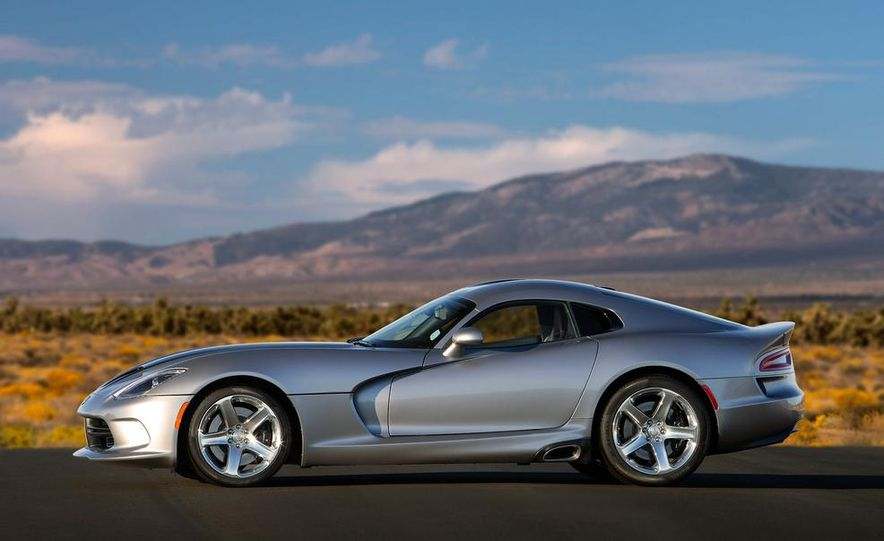 2015 Dodge Viper SRT - Slide 4