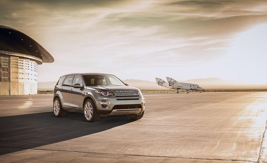 2015 Land Rover Discovery Sport - Slide 5