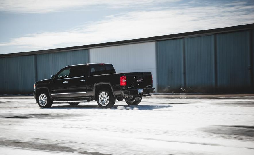2015 GMC Sierra 1500 Carbon Edition - Slide 11