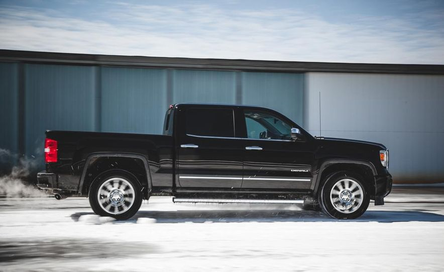 2015 GMC Sierra 1500 Carbon Edition - Slide 15