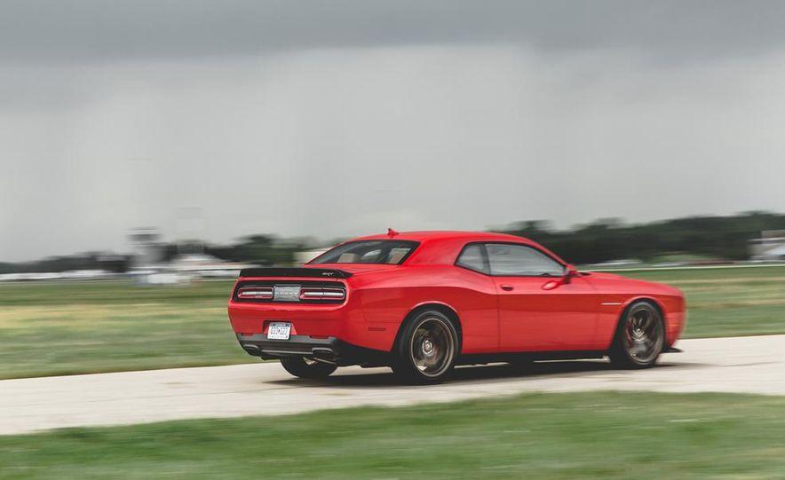 2015 Dodge Challenger SRT Hellcat - Slide 23