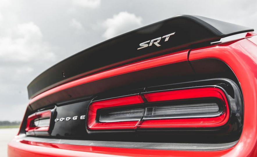 2015 Dodge Challenger SRT Hellcat - Slide 38
