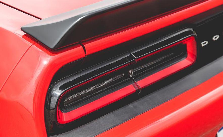 2015 Dodge Challenger SRT Hellcat - Slide 39