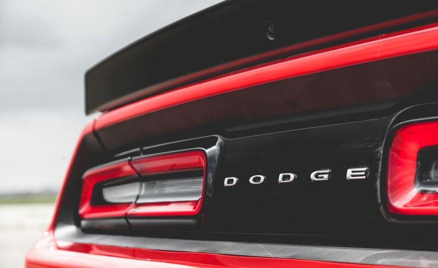 2015 Dodge Challenger SRT Hellcat - Slide 41