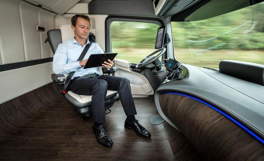 Mercedes-Benz Future Truck 2025 - Slide 25