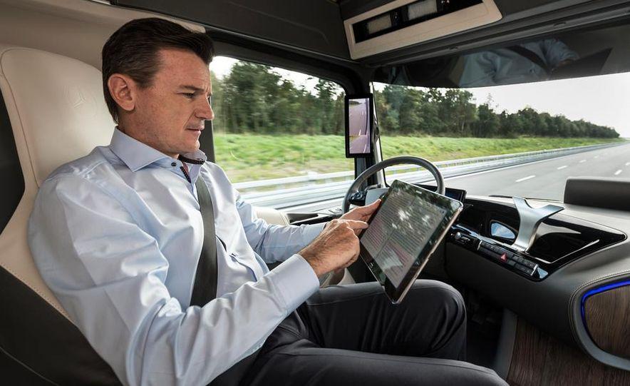 Mercedes-Benz Future Truck 2025 - Slide 27