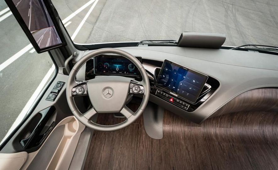 Mercedes-Benz Future Truck 2025 - Slide 36