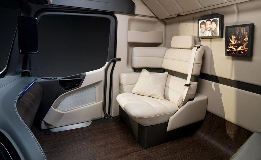 Mercedes-Benz Future Truck 2025 - Slide 54