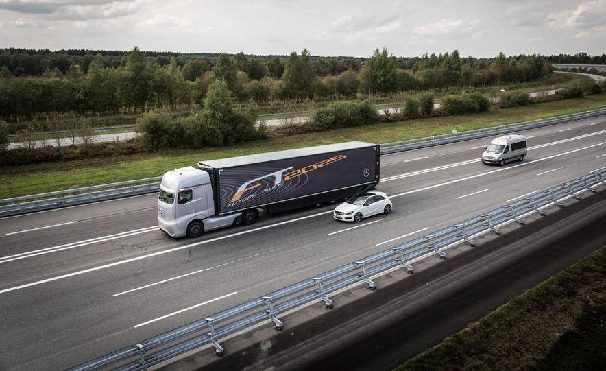Mercedes-Benz Future Truck 2025 - Slide 2