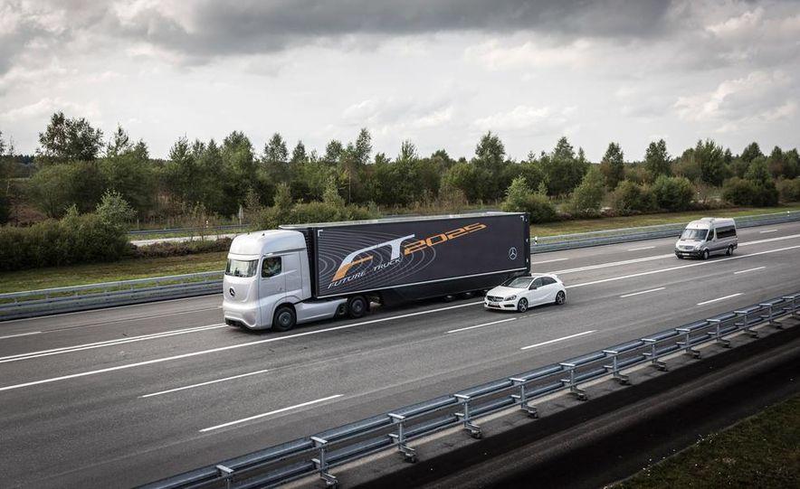 Mercedes-Benz Future Truck 2025 - Slide 3