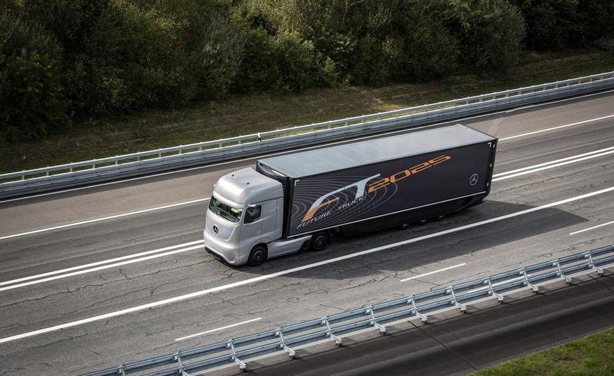 Mercedes-Benz Future Truck 2025 - Slide 4
