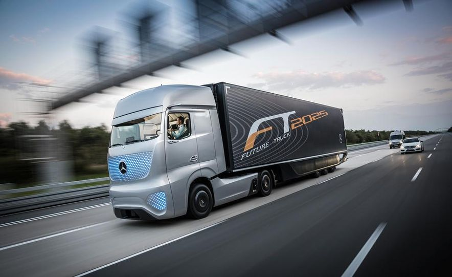 Mercedes-Benz Future Truck 2025 - Slide 5