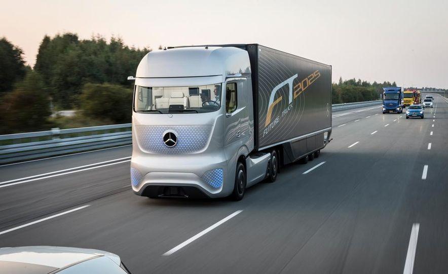 Mercedes-Benz Future Truck 2025 - Slide 8