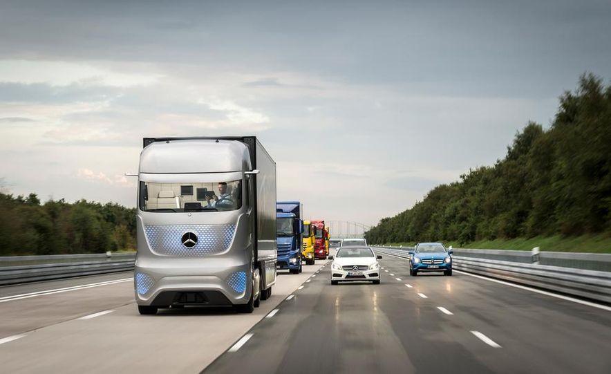 Mercedes-Benz Future Truck 2025 - Slide 9