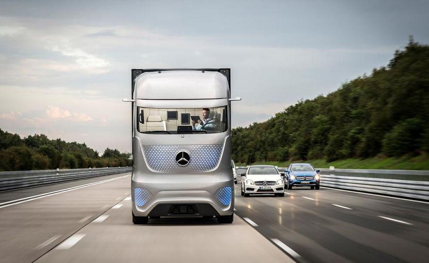 Mercedes-Benz Future Truck 2025 - Slide 11