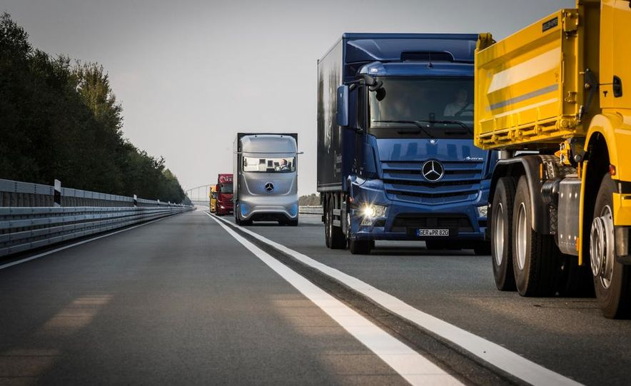 Mercedes-Benz Future Truck 2025 - Slide 12