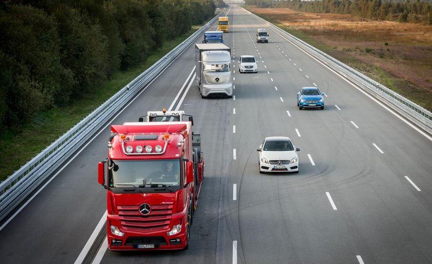 Mercedes-Benz Future Truck 2025 - Slide 13