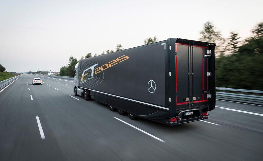 Mercedes-Benz Future Truck 2025 - Slide 17