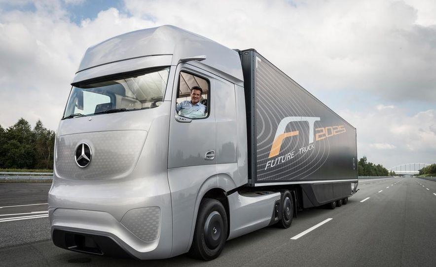 Mercedes-Benz Future Truck 2025 - Slide 18
