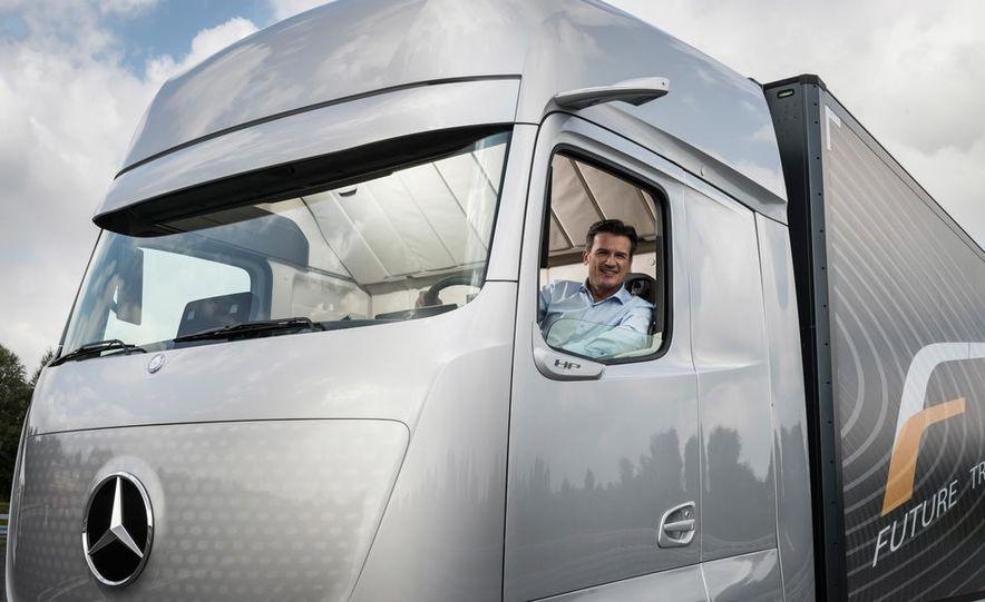 Mercedes-Benz Future Truck 2025 - Slide 20